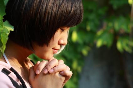 girl-praying.jpg